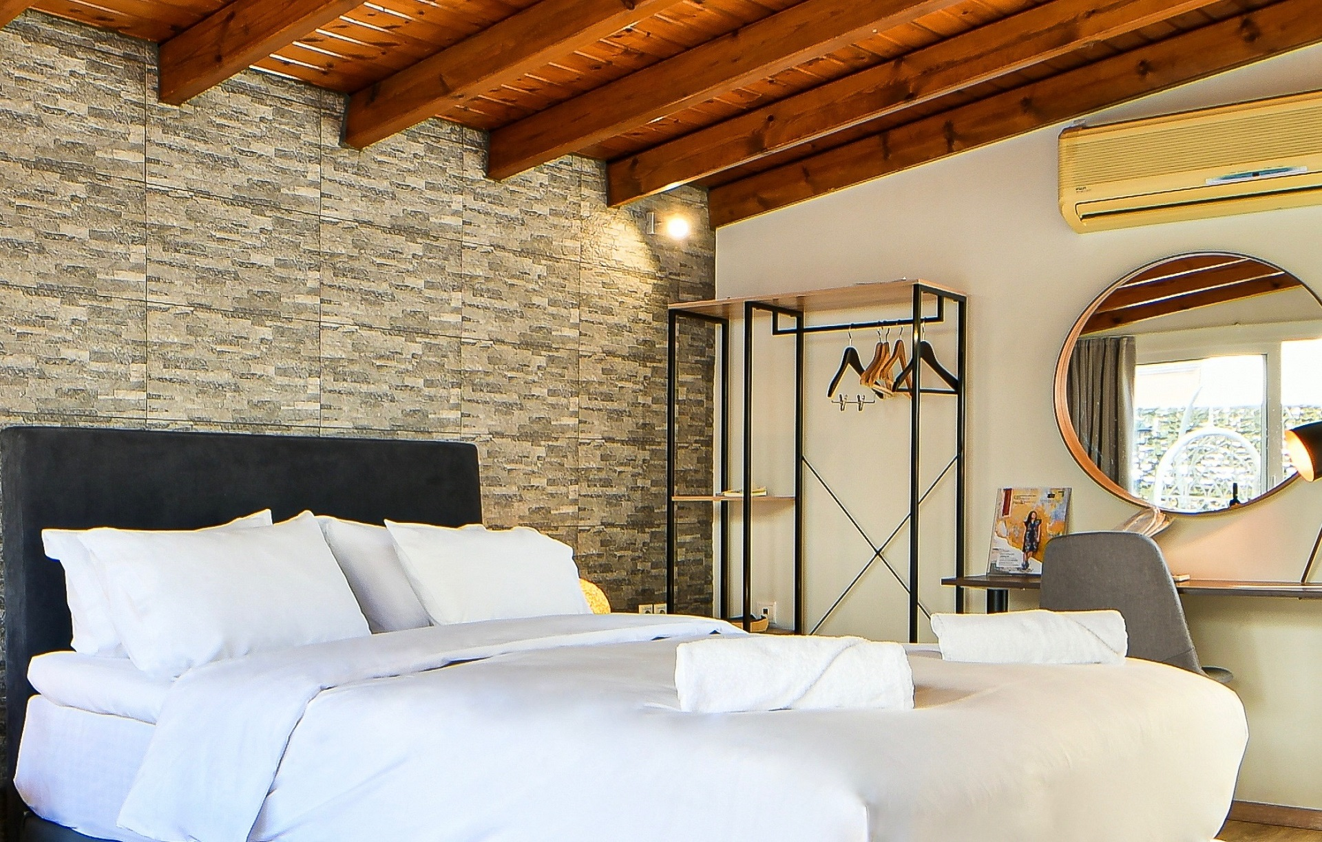 accommodation in athens